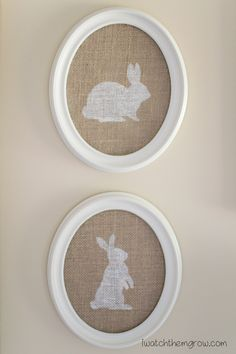 Burlap Bunny Easter Decor This is so cute! This burlap bunny Easter decor is such a simple project and it's great for the neutral/rustic/farmhouse style! Bunny Crafts, Easter Crafts, Easter Ideas, Rabbit Crafts, Oster Dekor, Diy Osterschmuck, Diy Easter Decorations, Old Frames, Rustic Farmhouse