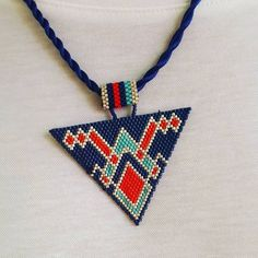 Was ist Miyuki? Bead Loom Patterns, Beaded Jewelry Patterns, Beading Patterns, Knitting Patterns, Bracelet Crafts, Jewelry Crafts, Loom Beading, Bead Art, Bead Weaving