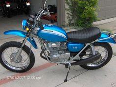 Classic Honda Motorcycles, Old School Motorcycles, Vintage Motorcycles, Honda Dirt Bike, Honda Bikes, Dirt Bikes, Ducati Scrambler, Scrambler Motorcycle, Motorcycle Garage