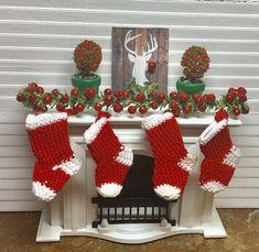 DOLLHOUSE Christmas 1:12 Miniature SNOWMAN  Stocking GREEN w//RED Cuff