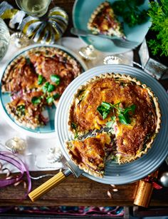 Delicious hot or cold, this vegetarian Red Leicester, pickled onion and watercress quiche is ideal for a party buffet Quiche Recipes, Veggie Recipes, Whole Food Recipes, Vegetarian Quiche, Vegetarian Dinners, Veggie Dinners, Leicester, Savoury Baking, Savoury Pies