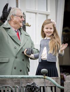 Royal Family Around the World: Queen Margrethe II of Denmark Celebrates Her Birthday at Marselisborg Palace on April 2017 in Aarhus, Denmark. Denmark Royal Family, Danish Royal Family, Little Girl Fashion, Kids Fashion, Princess Josephine Of Denmark, Prince Frederick, Queen Margrethe Ii, Danish Royalty, Royal Look