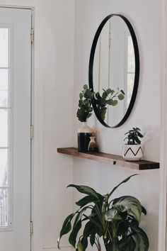 The selection of a family room mirror can give a beautiful and spacious impressi. The selection of a family room mirror can give a beautiful and spacious impression in your family room. let& see here the tips and tricks Minimalist Mirrors, Minimalist Decor, Mirror Decor Living Room, Decor Room, Foyer Decorating, Decorating Ideas, Narrow Hallway Decorating, Home And Living, House Design