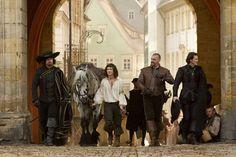 Logan Lerman, Ray Stevenson, Luke Evans and Matthew Macfadyen in the upcoming Three Musketeers.  Gorgeous horse!