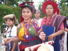 Joven maya en Guatemala