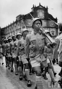1954 :: Portuguese troops in Goa, West African rank & file, marching away from the Church of Born Jesus, after mass India Independence, Goa India, Indian Government, Military History, Armed Forces, Lisbon, The Twenties, African, Tatoo