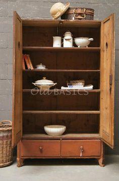 Grote brocante oude winkelkast buffetkast of boekenkast in landelijke stijl brocante en toch - Eigentijdse boekenkasten ...