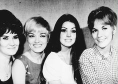Priscilla Presley (third from the left) looking like an absolute knockout among friends. From left to right is Patsy Presley, Joan Esposito, Cilla, and Lamar's wife.