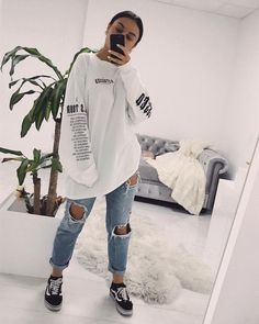 everyday outfits for moms,everyday outfits simple,everyday outfits casual,everyday outfits for women Tomboy Outfits, Chill Outfits, Teenage Outfits, Cute Casual Outfits, Grunge Outfits, Fashion Outfits, Fashion Styles, Women's Fashion, Fashion Trends