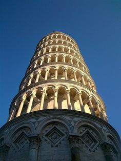 The leaning tower of Pisa - Tuscany, Italy