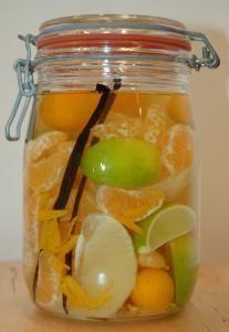 Rum 4 Citrus - Opskrift, klargøring og tip til Rum arrangeret . Alcoholic Punch Recipes, Rum Recipes, Citrus Recipes, Cocktail Recipes, Healthy Cocktails, Healthy Smoothies, Refreshing Drinks, Fun Drinks, Punch Recipes For Kids