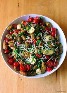 Jo and Sue: Roasted Pesto Potato Salad (No Mayo Potato Salad) Potato Salad No Mayo, Potato Salad With Apples, Potato Salad Dressing, Salad Dressing Recipes, Salad Dressings, Salad Vinegar, Pesto Potatoes, Salads For A Crowd, Bacon Deviled Eggs