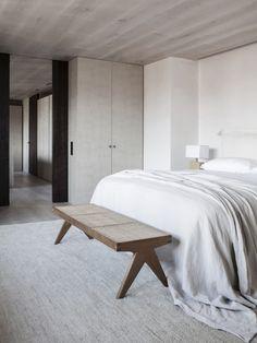 Home Interior Living Room Serene Bedroom, Home Bedroom, Bedroom Apartment, Minimalist Interior, Minimalist Home, Modern Minimalist Bedroom, Modern Bedroom, Spanish Apartment, Home Interior
