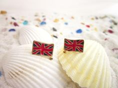 FREE SHIPPING Vintage Inspired British Flag Stud by Tammystyle
