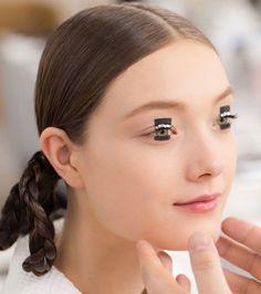 Makeup-at-the-Esprit-Dior-Tokyo-2015-fashion-show-yumi-lambert