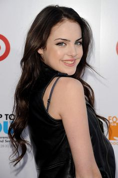 "Elizabeth Gillies Photos - Elizabeth Gillies attends the ""Party for Good - Making Meals to Feed Young Minds"" event at Basketball City - Pier 36 - South Street on June 2010 in New York City. - ""Party for Good - Making Meals to Feed Young Minds"" Elizabeth Gillies, Mary Elizabeth Winstead, Nickelodeon Girls, Amanda Bynes, Album, Height And Weight, Beautiful Celebrities, Beautiful Women, Pretty Woman"