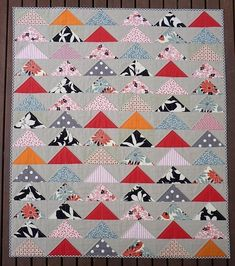 The Modern Flying Geese Quilt Pattern (PDF file) by Red Pepper Quilts. via Etsy. Traditional Quilt Patterns, Modern Quilt Patterns, Modern Quilting, Quilting Projects, Quilting Designs, Quilting Ideas, Quilting Patterns, Quilt Design, Quilting Board