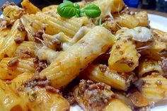 Baked noodle minced meat casserole 1 The post Baked noodle mince casserole appeared first on Food Monster. Baked Pasta Recipes, Noodle Recipes, Rice Recipes, Casserole Recipes, Meat Recipes, Chicken Recipes, Dinner Recipes, Cooking Recipes, Carne Picada
