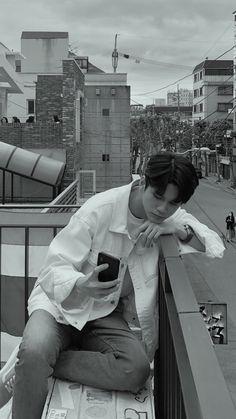 Ong Seung Woo, Hair Color Streaks, Seong, 3 In One, Boyfriend Material, Crushes, Korea, Kpop, Celebrities