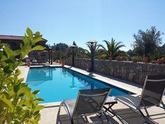 Heerlijk relaxen aan het zwembad