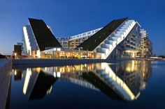 Amazing 8 - Bjarke Ingels Group