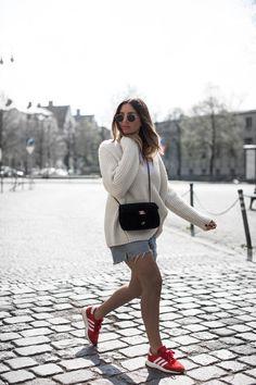 black-palms-streetstyle-summer-levis-sweater-adidas-iniki -chanel-fashionblog-munich-9-von-14 fc566b090