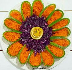 10 Everything Bagel Chicken Salad Food Ideas Vegetable Decoration, Vegetable Design, Food Decoration, Veggie Platters, Veggie Tray, Food Platters, Salad Design, Food Design, Cute Food