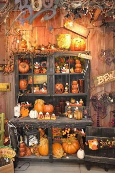 Spooky Hollow Lane Halloween Hutch If I Had A Puttering Shed Could Decorate For The Seasons On Porch In Rustic Like This