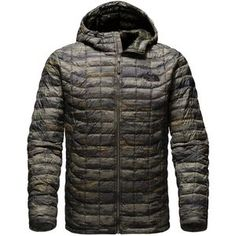 The North Face Men's ThermoBall Hooded Insulated Jacket has the warmth of a 600-fill down jacket coupled with the wet-weather performance of synthetic insulation. The innovative Primaloft Thermoball synthetic insulation looks and acts like round clusters that make up down insulation, retaining body heat so you stay warm in a lightweight and lofty jacket. It also compresses like down so you can stow it in its own pocket and pack it without sacrificing much space. But because it's synthetic…
