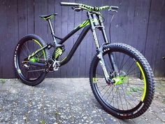 Insane fluor NS Bikes Fuzz DH by @222cycles with rockshox suspensions and NS rims! Hot or not? Coment below #downhilladiction
