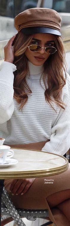 Street Chic, Street Style, Dream Photography, Shady Lady, Autumn Winter Fashion, Winter Style, Vintage Knitting, White Fashion, Beautiful Images