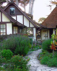 ~Cute little fairytale cottage, Carmel, CA~