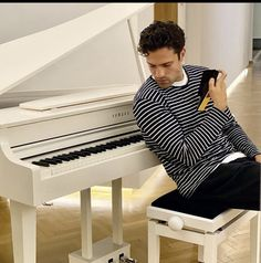 Piano, Music Instruments, Pianos, Musical Instruments