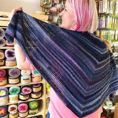 Háčkovaný šátek od naší Míši z příze Mille Colori Sock & Lace Luxe. Socks, Crochet, Lace, Fashion, Moda, Fashion Styles, Sock, Ganchillo, Racing
