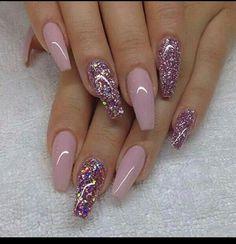 Imagen de nails, glitter, and pink