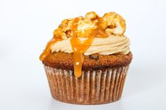 Pumpkin + Peanut Butter + Chocolate Chips + Caramel = AMAZING. I honestly thought I was going a little too far with the caramel… but it was probably the best decision ever! Seriously. This cupcake …