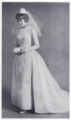 tiny bow 1960s bride - love the headpiece | Flickr