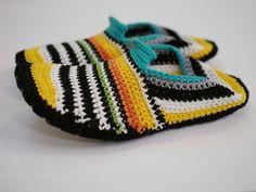 VIRKATUT MÖKKITOSSUT [OHJE] Crochet Shoes, Friendship Bracelets, Slippers, Beanie, Hats, Jewelry, Socks, Diy, Fashion