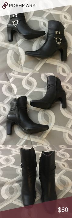 "Harley Davidson Leather Ankle Boots Harley Davidson Black Leather Ankle Boots.  Side Zip Closure. Worn twice and in excellent condition.  3.5"" heel.  True to size 6.5. Harley-Davidson Shoes Ankle Boots & Booties"