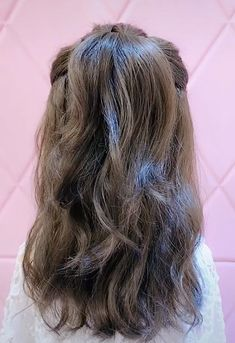 Easy Medium Length Hairstyle Tutorial - Easy Hairstyles 2020 - Easy hairstyles f. Easy Medium Length Hairstyle Tutorial - Easy Hairstyles 2020 - Easy hairstyles for long hair - Cute Hairstyles For Medium Hair, Casual Hairstyles, Medium Hair Styles, Curly Hair Styles, Cool Hairstyles, Wedding Hairstyles, Hairstyles Videos, Beautiful Hairstyles, Medium Length Wedding Hair