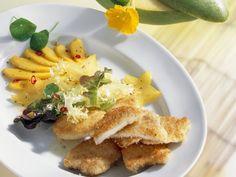 Kokos-Schnitzel mit Mangosalat | Zeit: 50 Minuten | http://eatsmarter.de/rezepte/kokos-schnitzel-mit-mangosalat