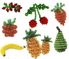beaded berries and other fruits_with pattern Seed Bead Crafts, Seed Bead Jewelry, Seed Beads, Beaded Jewelry, Perler Beads, Beading Patterns Free, Seed Bead Patterns, Jewelry Patterns, Bracelet Patterns