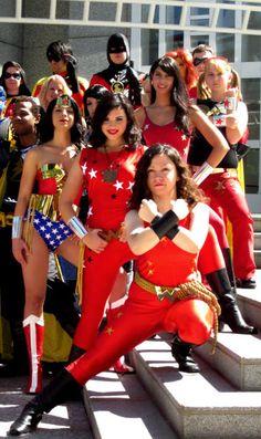 DragonCon 2010 Wonder Woman & The Wonder Girls Cosplay