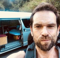 Ladies and Gentlemen the Murtaghmobile. My new home for the next month. It's time to see what I can see. Tune in for my inevitable… Outlander Casting, Outlander Tv, Duncan Lacroix, Graham Mctavish, Outlander Season 4, Jaime Fraser, Casting Pics, Epic Story, Soul On Fire