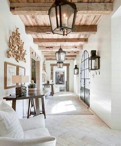 Tuscan design – Mediterranean Home Decor Tuscan Decorating, Interior Decorating, Interior Designing, Decorating Tips, Modern Hallway, Spanish Style Homes, Spanish Style Interiors, Mediterranean Home Decor, Hallway Designs