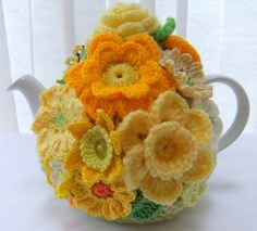 yellow tea cosy 'Morning Tea' For Friday August 2017 Daffodil Cancer Awareness Day 💛💛💛💛💛💛💛💛💛💛 Tea Cosy Knitting Pattern, Tea Cosy Pattern, Knitting Patterns, Scarf Patterns, Knitting Tutorials, Crochet Home, Crochet Crafts, Crochet Projects, Hand Crochet