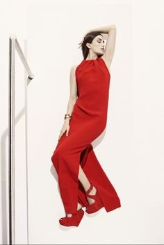 See the complete Christian Dior Resort 2013 collection.