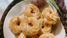 Süße Eberswalder Spritzkuchen: Original-Rezept aus der DDR - Доброе Утро How To Make Pudding, How To Make Cake, Cookie Desserts, Dessert Recipes, Brownie Bites Recipe, Salads To Go, Cooking Quotes, Cooking Cake, Birthday Cakes For Women