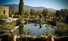 Provence Guide: Lourmarin Holiday Rentals, B&Bs, Hotels, Restaurants, Travel & Activities