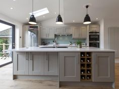 These Silestone countertops bring the whole kitchen together to create a neutral and sleek look Open Plan Kitchen Dining Living, Living Room Kitchen, Kitchen Cost, Kitchen Interior, Kitchen Decor, Kitchen Ideas, Kitchen Images, Silestone Countertops, Wren Kitchen